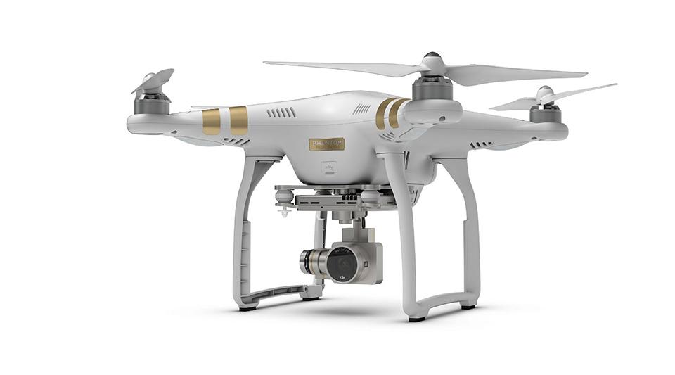 GoPro lancera en 2016 son drone Karma DJI_Phantom_3_Professional