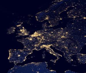 Protégeons notre beau ciel étoilé des lumières de la ville Europe_nuit-300x255