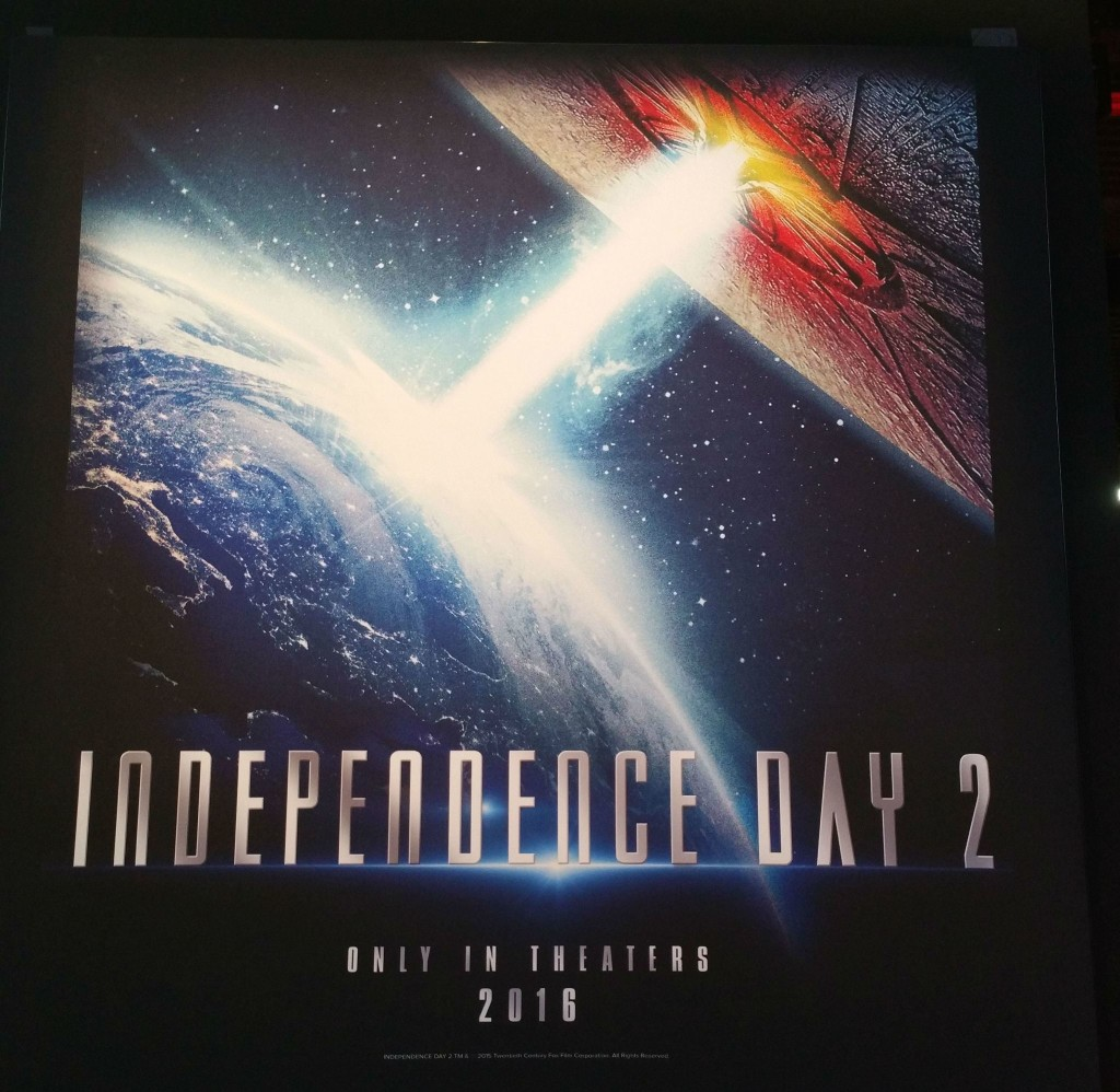 L'époustouflant trailer de Independence Day 2 ! First-Independence-Day-2-poster-1024x998