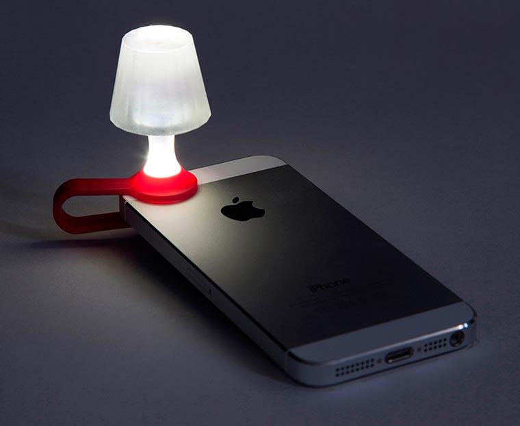 Utilisez votre smartphone comme lampe de chevet Luma-smartphone-lampshade-2