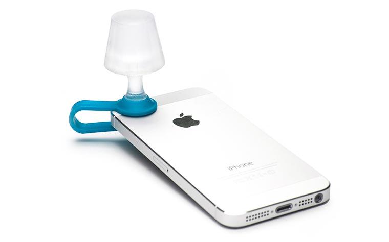 Utilisez votre smartphone comme lampe de chevet Luma-smartphone-lampshade-7