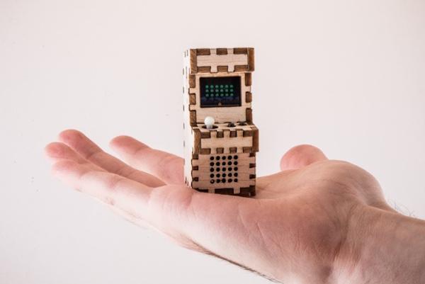 Tiny Arcade : des bornes d'arcade portables qui font la taille de votre main Retro2