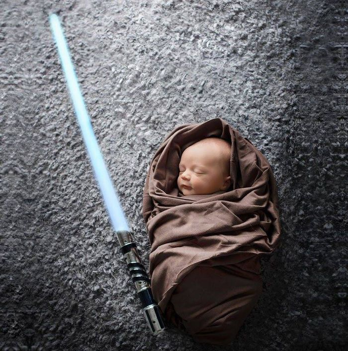 La petite fille de Mark Zuckerberg habillée comme un Jedi inspire d'autres parents bebe-habille-star-wars-3