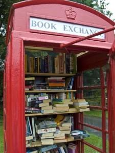 La boîte à livres : le partage culturel qui crée du lien social (et on en a bien besoin en ce moment !) boite-a-livres-3-225x300