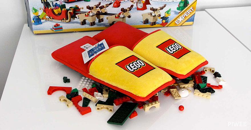 Des chaussons pour ne plus marcher sur les briques LEGO chausson-lego-2