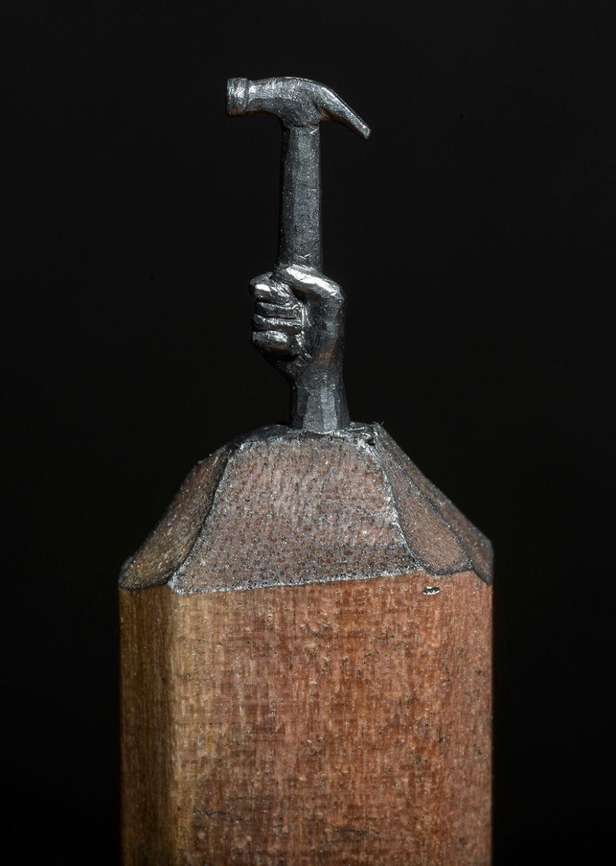 Ce petit train est sculpté dans la mine d'un simple crayon de bois crayon-mine-sculpte-cindy-chinn-10