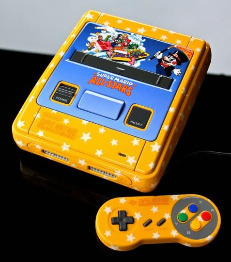 Un artiste customise les consoles de notre enfance custom_console12