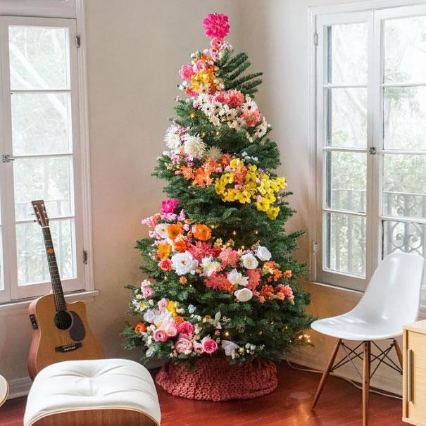 Décorez votre sapin de Noël avec des fleurs decorer-votre-sapin-avec-des-fleurs-2