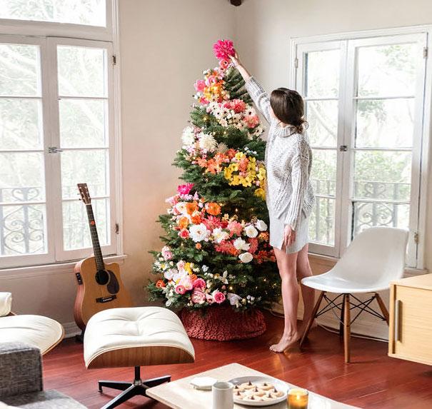 Décorez votre sapin de Noël avec des fleurs decorer-votre-sapin-avec-des-fleurs-5