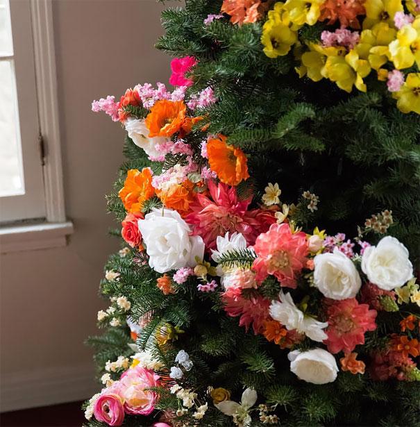 Décorez votre sapin de Noël avec des fleurs decorer-votre-sapin-avec-des-fleurs-8