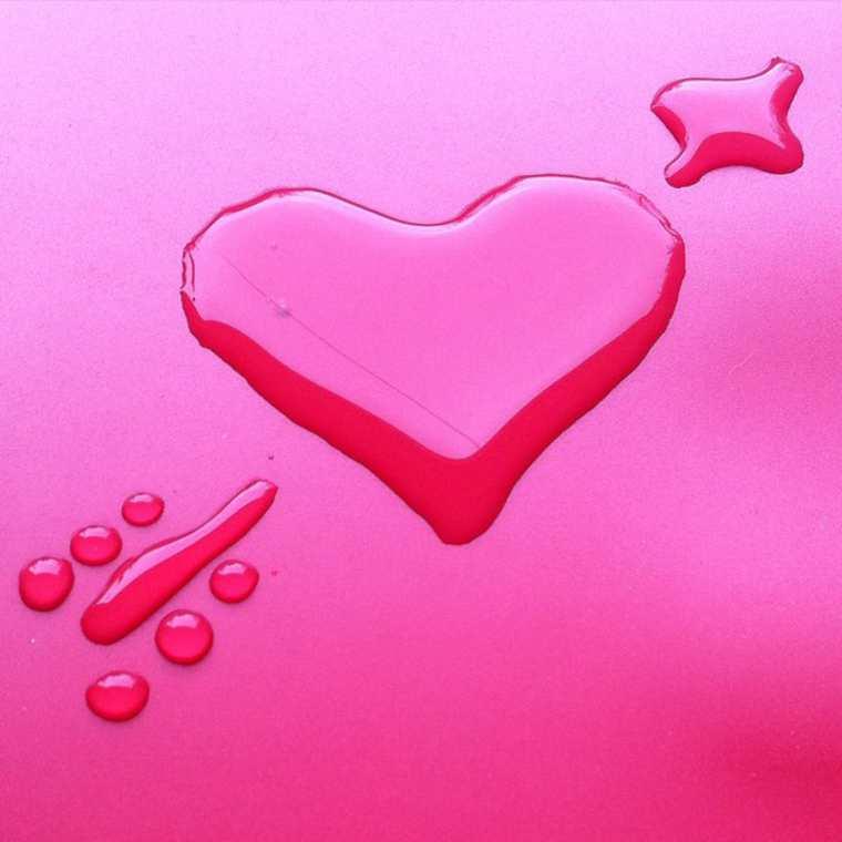 Un artiste utilise de l'eau pour en faire des oeuvres d'art eau-oeuvre-art-aravis-dollmenna-16