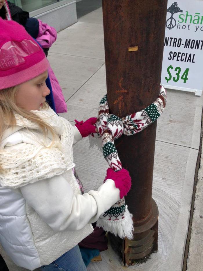 Incroyable générosité de la part de ces enfants canadiens pour aider les S.D.F. enfants-canada-manteau-sans-abris-1