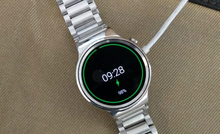 Bientôt une version féminine de la montre connectée Huawei huaweiwatch