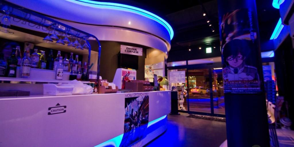 10 choses insolites à faire au Japon japon-insolite-tokyo-gundam-cafe-bis-1050x525-1024x512