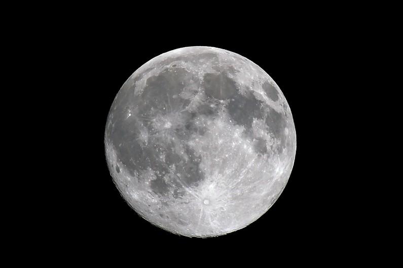 Avez-vous vu la pleine Lune de Noël ? lune2