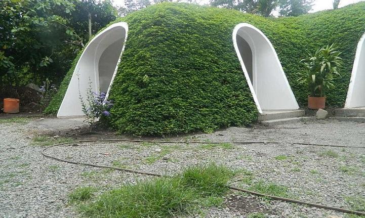 Ces maisons écologiques sont construites en seulement trois jours maison-verte-hobbit-10