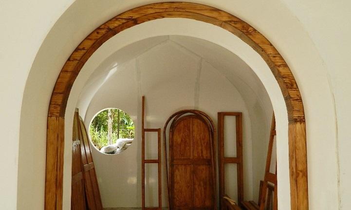 Ces maisons écologiques sont construites en seulement trois jours maison-verte-hobbit-7