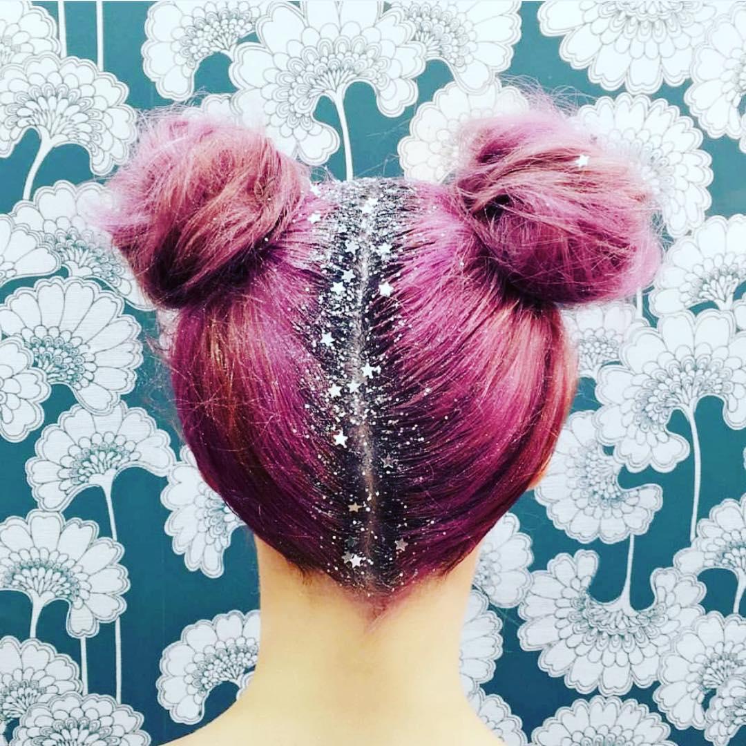Pailletez vos racines, c'est la nouvelle tendance sur Instagram mode-paillette-racine-cheveux-7