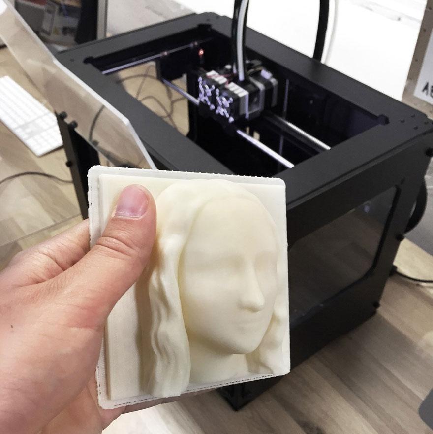 """Les aveugles pourront """"voir"""" les célèbres tableaux grâce à l'impression 3D peintures-3d-aveugle-1"""