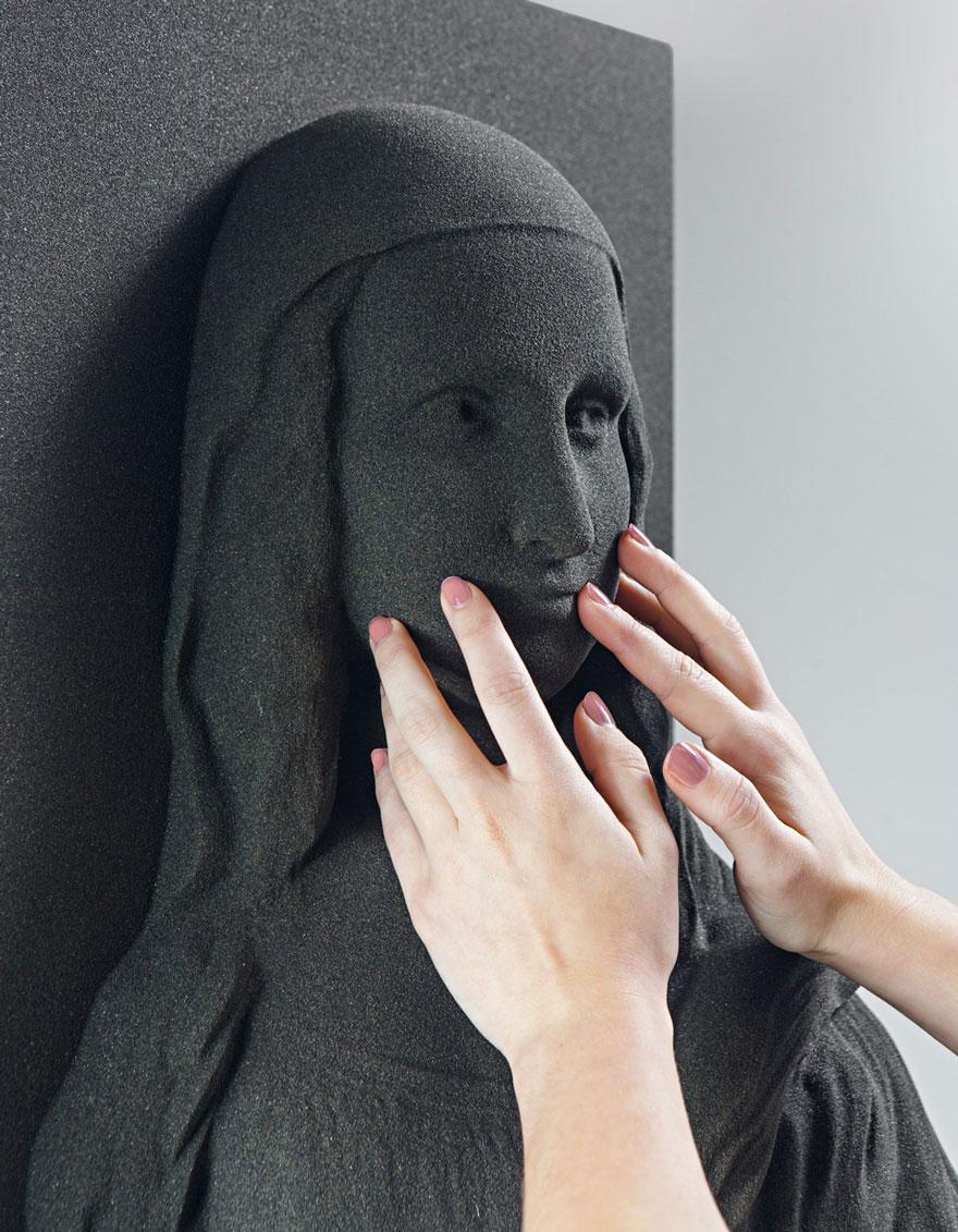 """Les aveugles pourront """"voir"""" les célèbres tableaux grâce à l'impression 3D peintures-3d-aveugle-3"""
