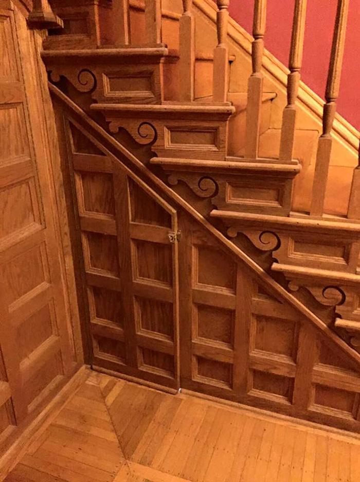 Inspirée par l'univers d'Harry Potter, une mère transforme son placard sous l'escalier placard-escalier-harry-potter-4