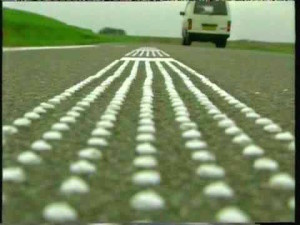 Lorsque des voitures passent, ces routes entonnent des mélodies route-musicale-9-300x225