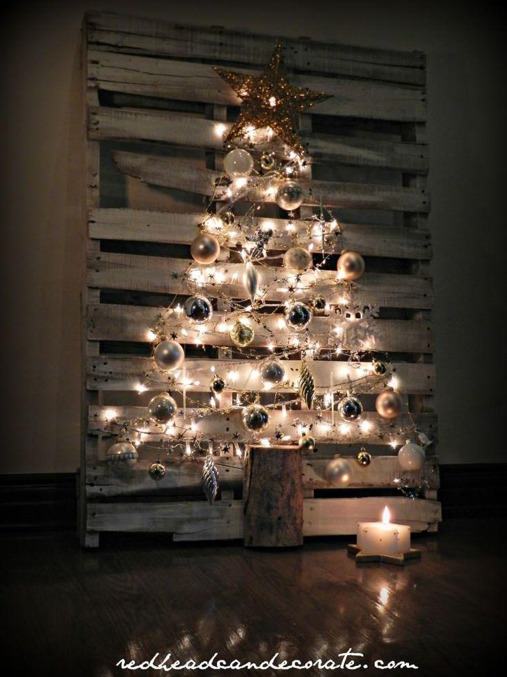 Comment réaliser un sapin de Noël avec une palette sapin-palette-deco-10