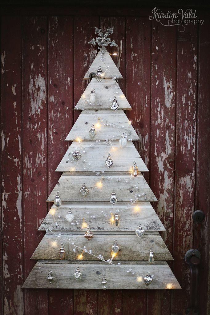Comment réaliser un sapin de Noël avec une palette sapin-palette-deco-6-682x1024