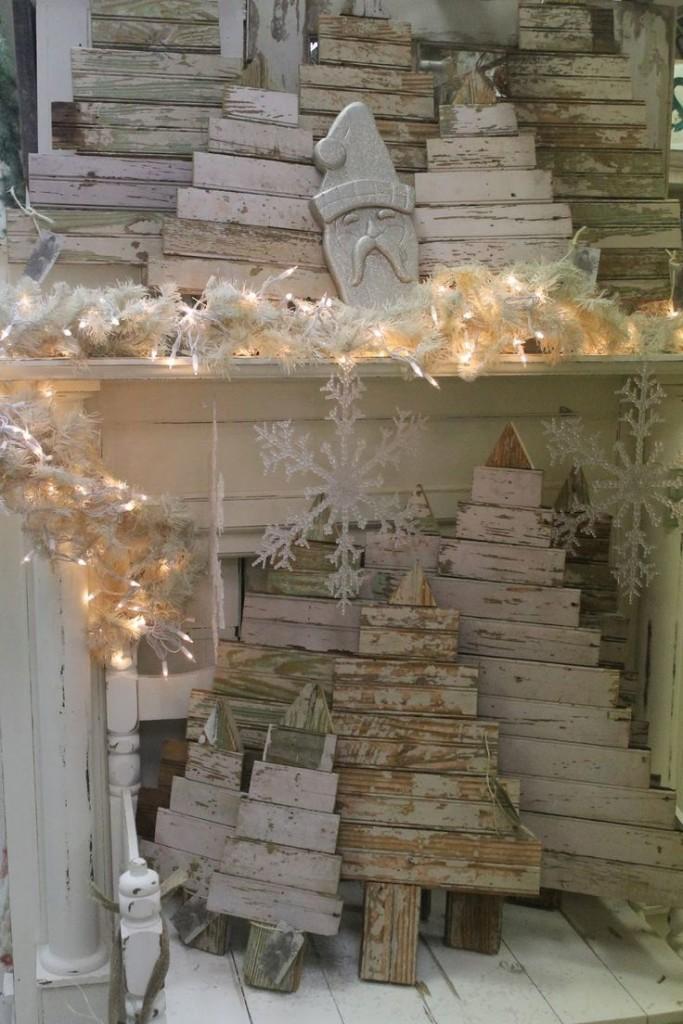 Comment réaliser un sapin de Noël avec une palette sapin-palette-deco-7-683x1024