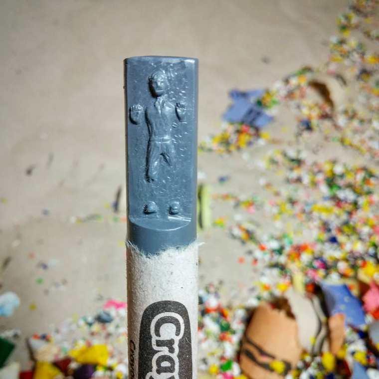 Des crayons sculptés multicolores inspirés de la pop-culture sculpture-crayola-hoang-tran-12