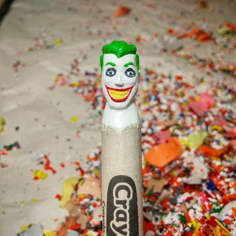 Des crayons sculptés multicolores inspirés de la pop-culture sculpture-crayola-hoang-tran-13