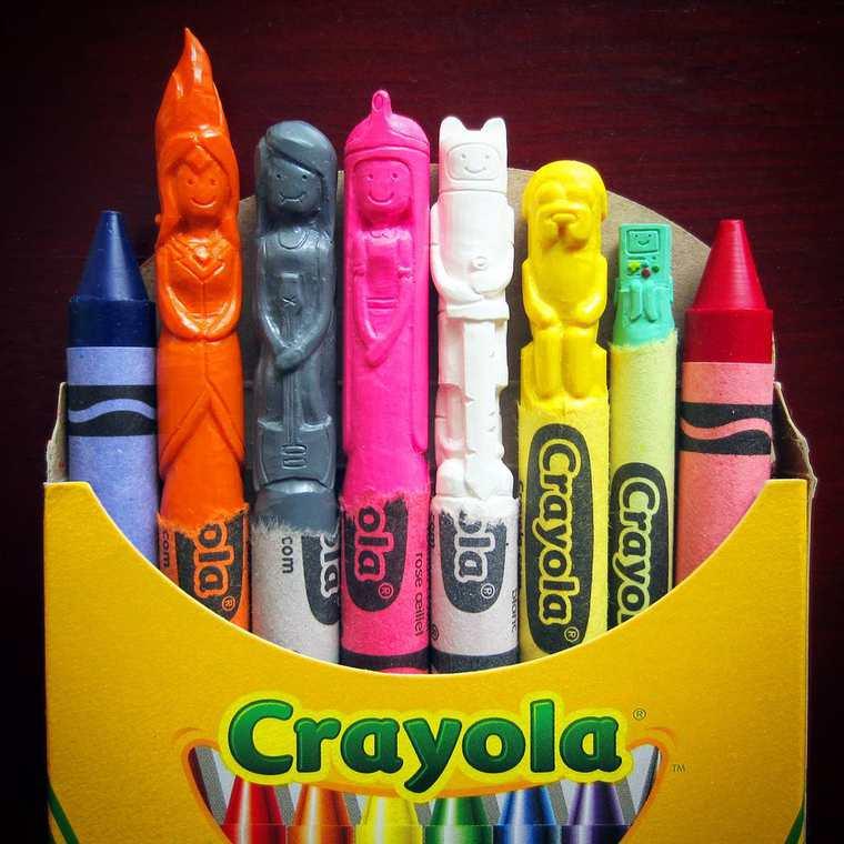 Des crayons sculptés multicolores inspirés de la pop-culture sculpture-crayola-hoang-tran-16