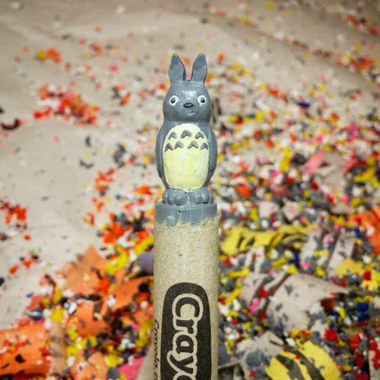 Des crayons sculptés multicolores inspirés de la pop-culture sculpture-crayola-hoang-tran-17
