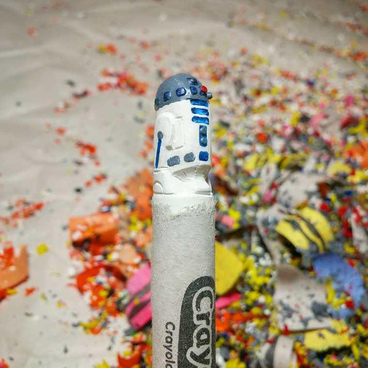 Des crayons sculptés multicolores inspirés de la pop-culture sculpture-crayola-hoang-tran-2