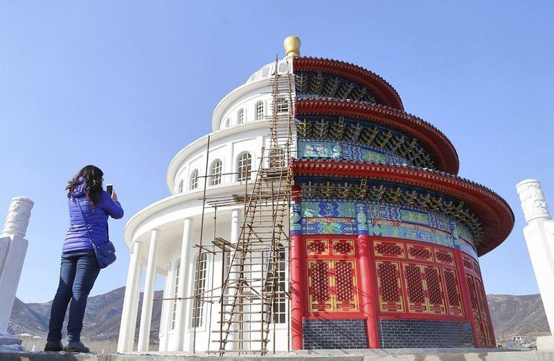 """Ce curieux monument """"deux-en-un"""" se trouve en Chine temple-hybride-chine-3"""