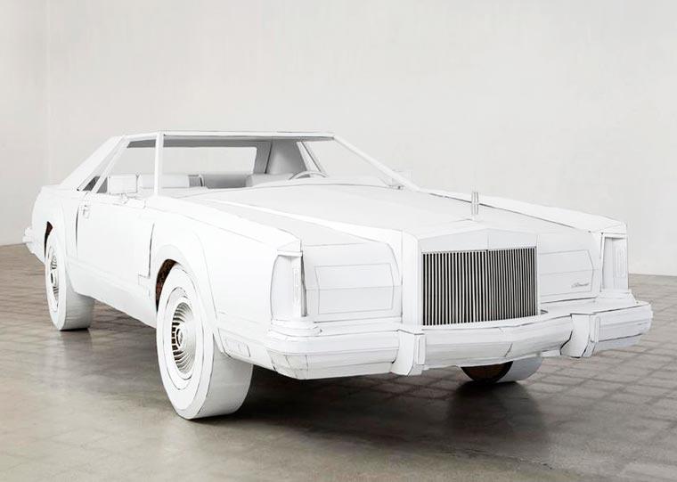 Une artiste réalise avec du carton la copie conforme de la voiture de son grand-père voiture-carton-grand-pere-15