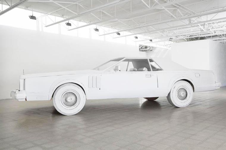 Une artiste réalise avec du carton la copie conforme de la voiture de son grand-père voiture-carton-grand-pere-5
