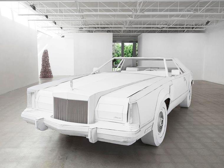 Une artiste réalise avec du carton la copie conforme de la voiture de son grand-père voiture-carton-grand-pere-6