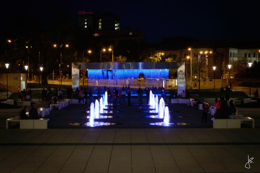 Cette incroyable fontaine multicolore se trouve en République Tchèque fontaine-brno-multicolore-4