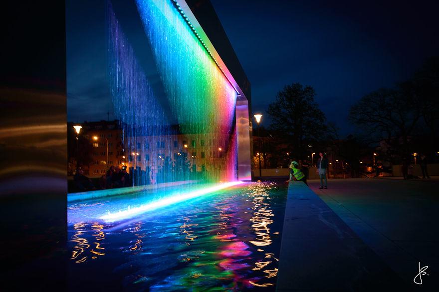 Cette incroyable fontaine multicolore se trouve en République Tchèque fontaine-brno-multicolore-8