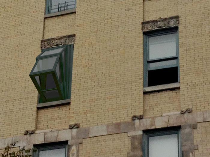 Cette fenêtre se transforme en balcon pour contempler le ciel more-sky-fenetre-balcon-4